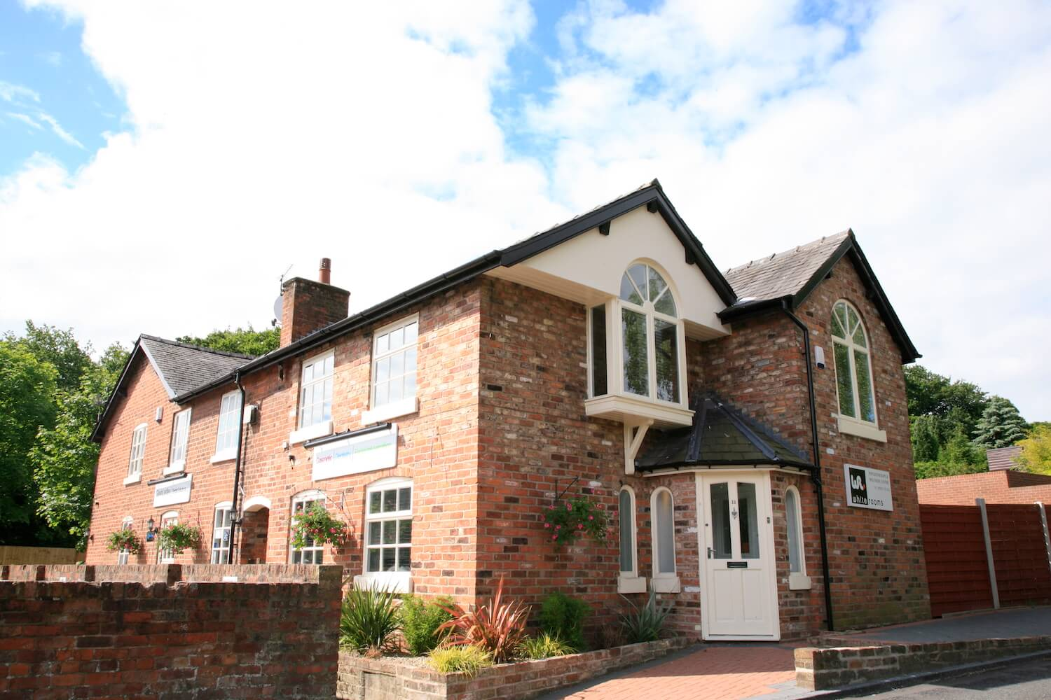 dental-solutions-lymm-exterior